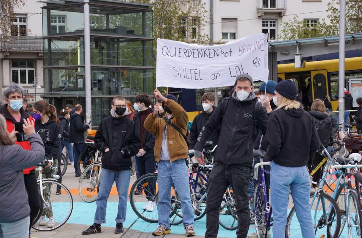 Auf dem Marienplatz setzten die Menschen zum Gegenprotest an. Foto: 7aktuell.de/Andreas Werner