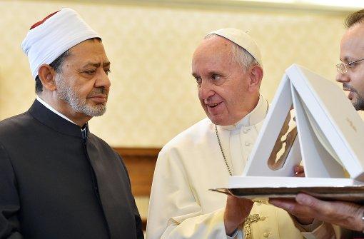 Erstes Treffen zwischen Papst und Groß-Imam