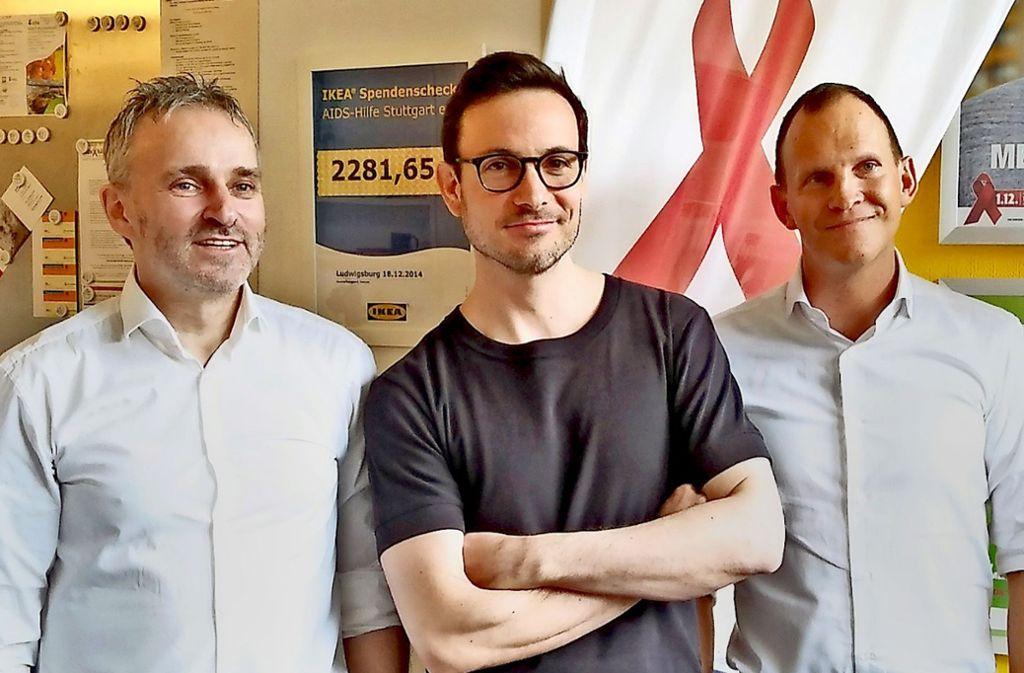 Gauthier mit Franz Kibler (li.) von der Aids-Hilfe und  Thomas Kaut  von Abseitz Foto: