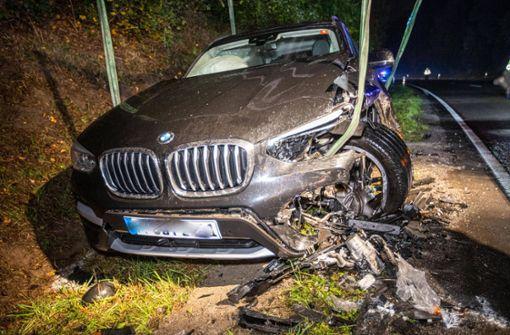 22-Jähriger gerät in Gegenverkehr – zwei Schwerverletzte