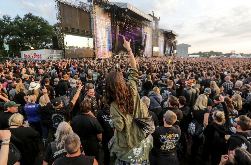 Zum Wacken Open Air werden wieder Tausende Heavy-Metal-Fans erwartet. Foto: dpa