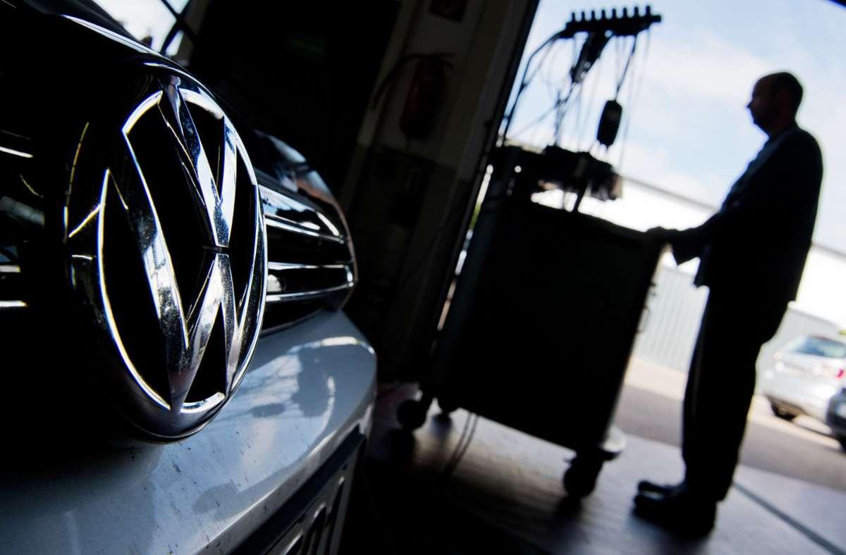 Die Zahl der Angeklagten wächst bei der VW-Abgasaffäre. Foto: dpa/Julian Stratenschulte