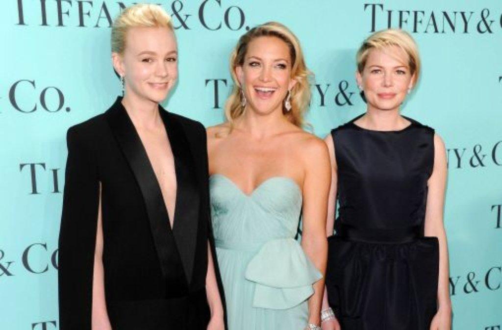 Die Schauspielerinnen Carey Mulligan, Kate Hudson und Michelle Williams (von links) strahlten mit den Tiffanys-Diamanten um die Wette. Foto: AP/dpa