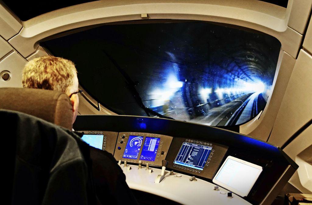 Noch eine Zukunftsvision für die S-Bahnen in der Region Stuttgart: Andernorts, etwa auf der  Strecke zwischen Halle  und Erfurt, sind ICE-Züge bereits mit den neuen Signalanlagen  vernetzt. Foto: Deutsche Bahn