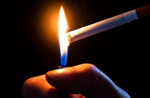 Hat der Verstoß des Traumes Rauchen aufgegeben