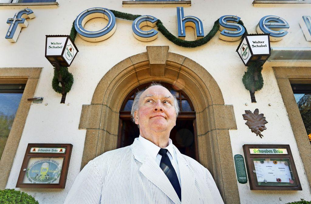 Ein Leben für den Ochsen: Insgesamt schaffte Walter Schabel 58 Jahre in der Neckarremser Wirtschaft. Seit  1974 war er der Chef – nun ist Schluss. Foto: factum/Granville