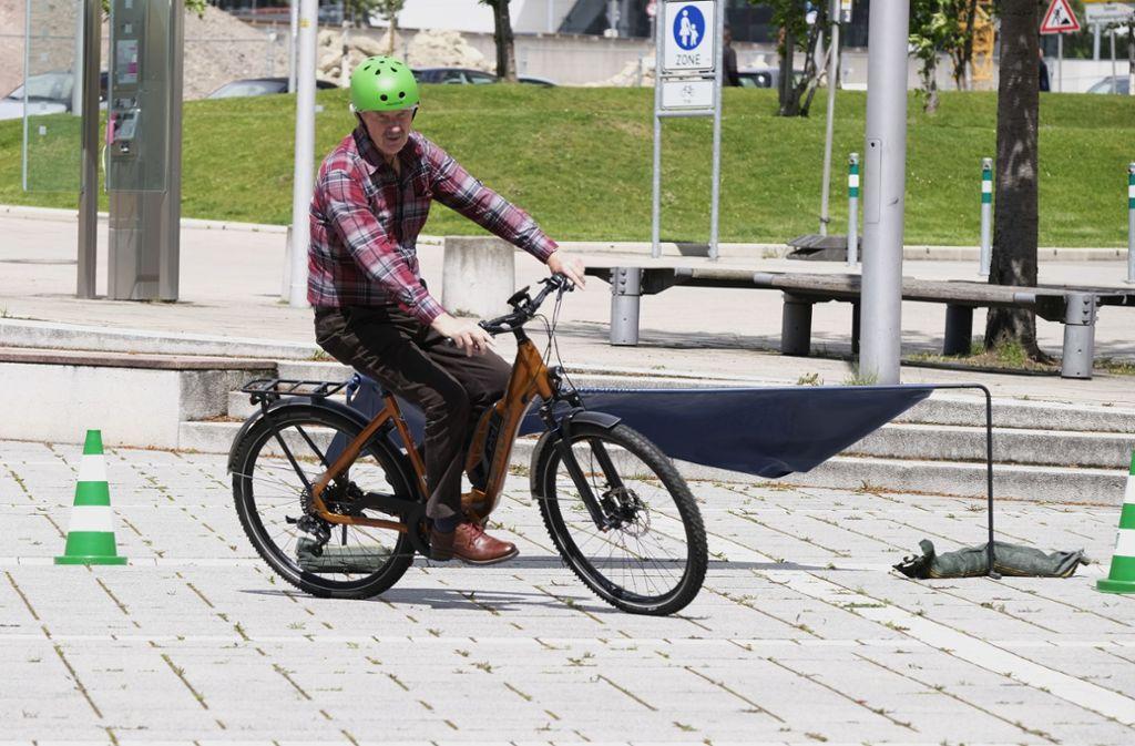 E-Bike-Fahren sollte gelernt sein, zumal die Verkehrsdichte zunimmt. Foto: Lichtgut/Michael Latz