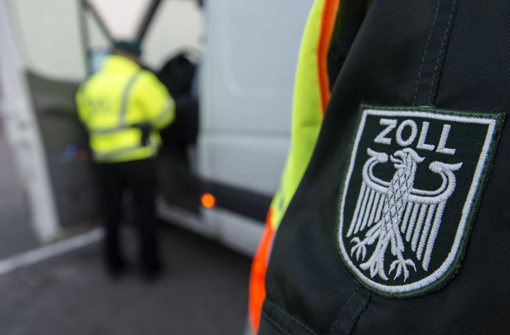 Wenn Großbritannien die EU verlässt, kommt auch auf den deutschen Zoll mehr Arbeit zu. Foto: dpa