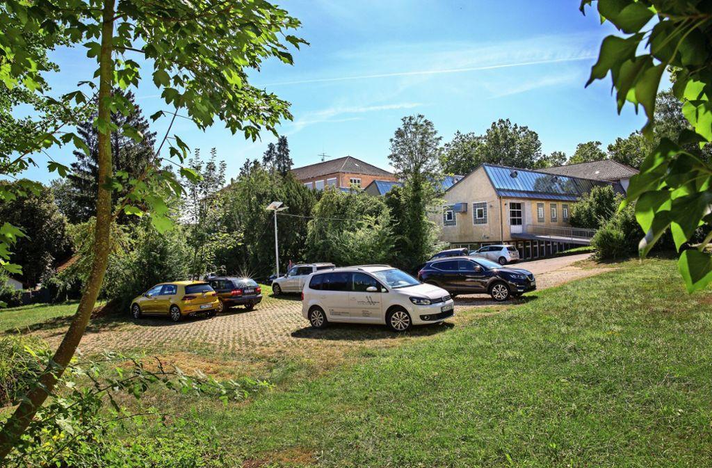 Auf den Flächen neben der Kunsthalle (rechts) und dem Technischen Rathaus (im Hintergrund) sollen eine Kindertagesstätte und Mietwohnungen gebaut werden. Foto: