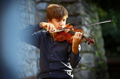 Junger Musiker aus Leidenschaft