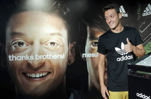 Sponsor Adidas steht weiterhin zu Mesut Özil