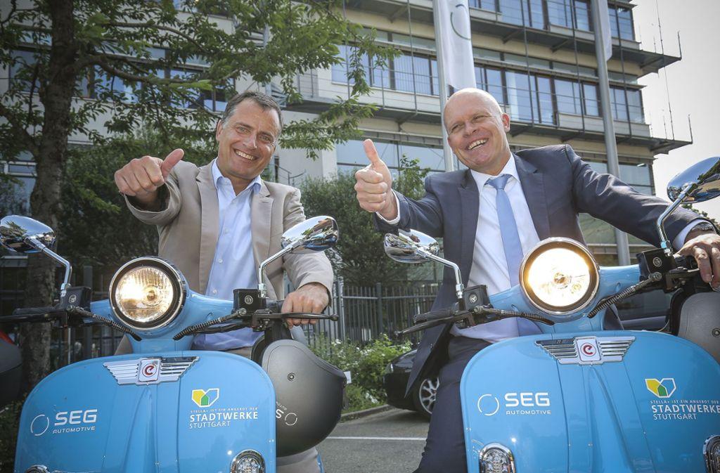 Daumen hoch für ein neues Angebot: Stadtwerke-Chef Olaf Kieser (li.) und  SEG-Geschäftsführer Peter Sokol. Foto: Leif Piechowski