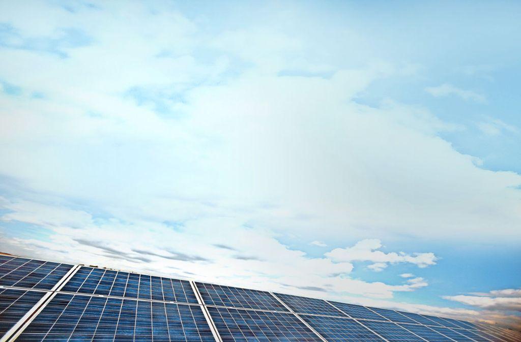 Solarpark (Symbolbild)  als Geldanlage – nicht immer herrscht da eitel Sonnenschein. Das mussten die Kunden der Leonberger  Firma Eurosolid Energy erfahren. Foto: dpa