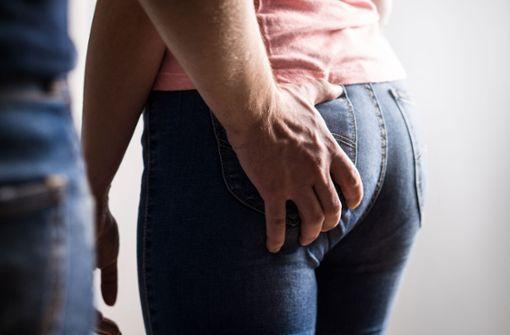 13-Jähriger belästigt Frauen sexuell