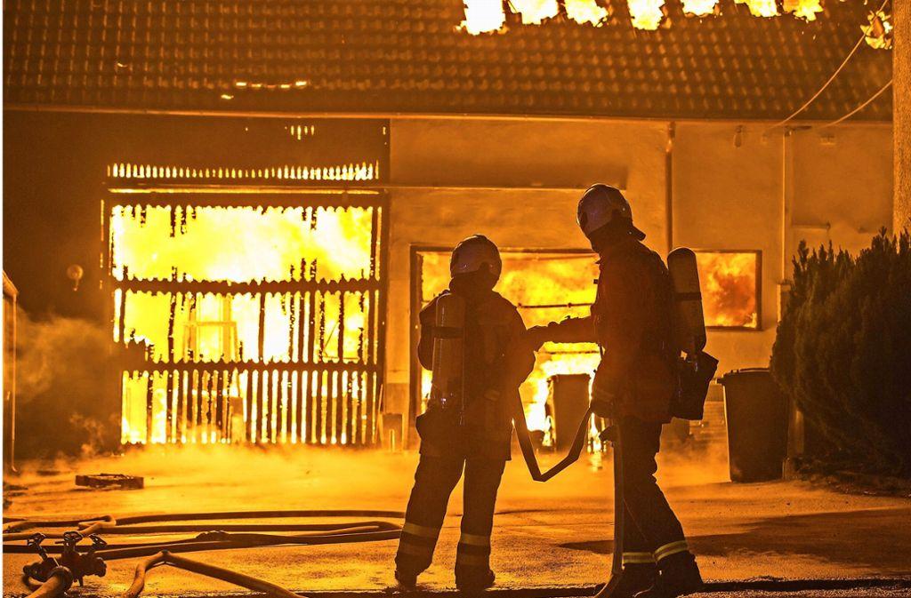 Am Samstag hatte in einem Kirchberger Weiler ein Großbrand gewütet, ein Gebäude wurde zerstört. Foto: 7aktuell.de/Simon Adomat
