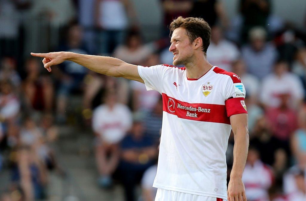 Der Kapitän gibt die Richtung: Christian Gentner will mit dem VfB zurück in die Bundesliga. Foto: Baumann