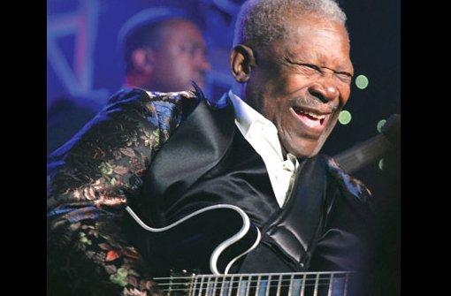 B.B. King - Er ist eine Legende. Das Rolling Stone Magazine listet ihn auf Platz drei der 100 besten Gitarristen aller Zeiten. Der US-Amerikaner B.B. King ist einer der einflussreichsten Blues- und Rockmusiker. Foto: Opus GmbH