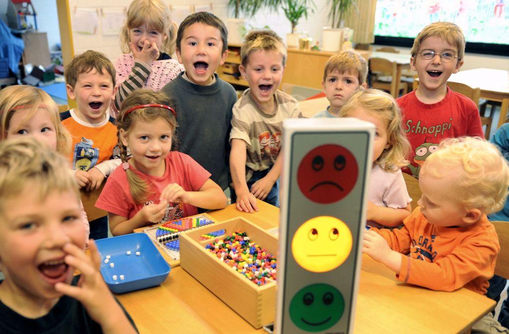 Kinder schreien, toben, lachen und weinen – und das in einer Lautstärke, die Erwachsenen manchmal ganz schön auf die Nerven geht. Foto: dpa