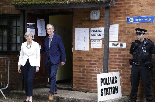 Umfragen: Tory-Vorsprung bei britischer Parlamentswahl schrumpft