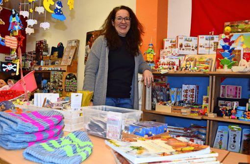 Räucherkerzen und Kinderspielzeug statt Leerstand