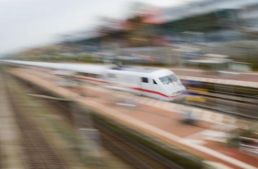 ICE gestoppt und im Nürnberger Hauptbahnhof evakuiert