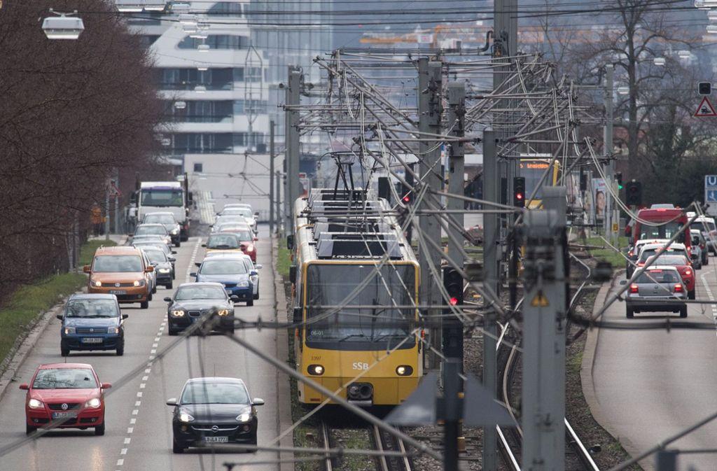 Die Stadtbahn bleibt am Donnerstag stehen. Doch es gibt Alternativen. Foto: dpa