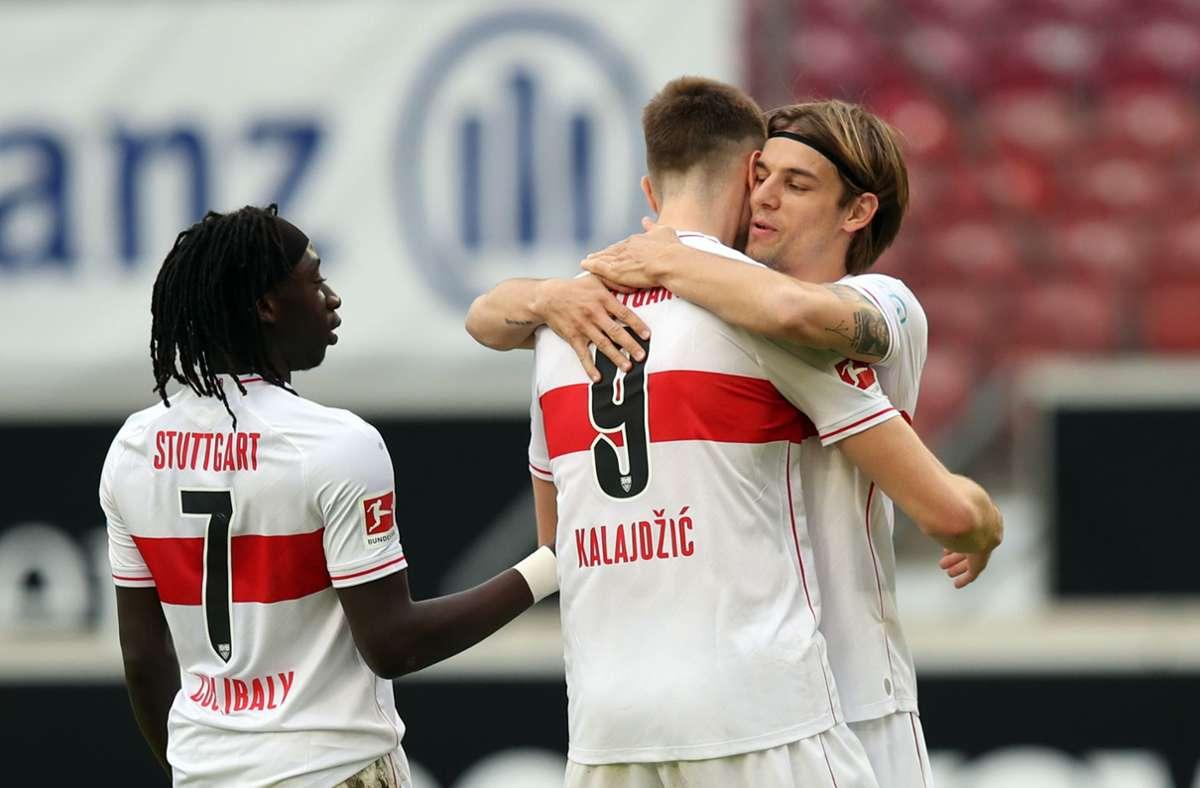Borna Sosa bediente einmal mehr Sasa Kalajdzic – trotzdem reichte es für den VfB am Ende nicht. Foto: dpa/Tom Weller
