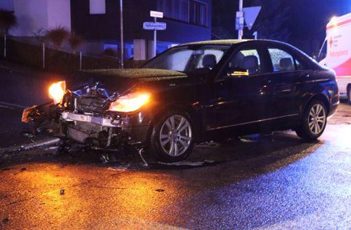 Mercedes kracht in Kia – Mehr als 30.000 Euro Schaden