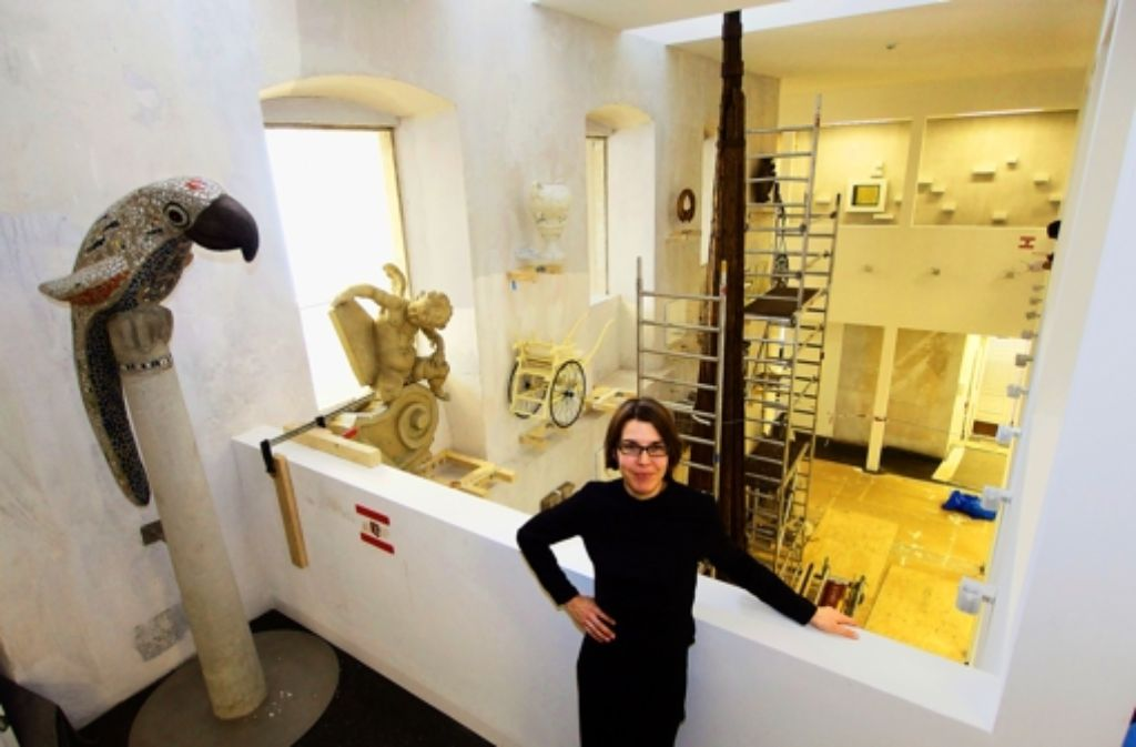 Museumsleiterin Alke Hollwedel im Lichtschacht des neuen Hauses. Foto: factum/Weise