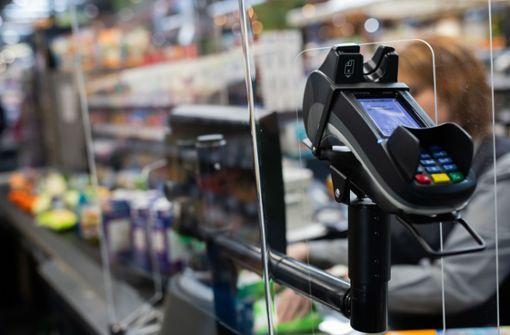 Supermarktkasse statt Modegeschäft – Jobbörse für den Handel eingerichtet