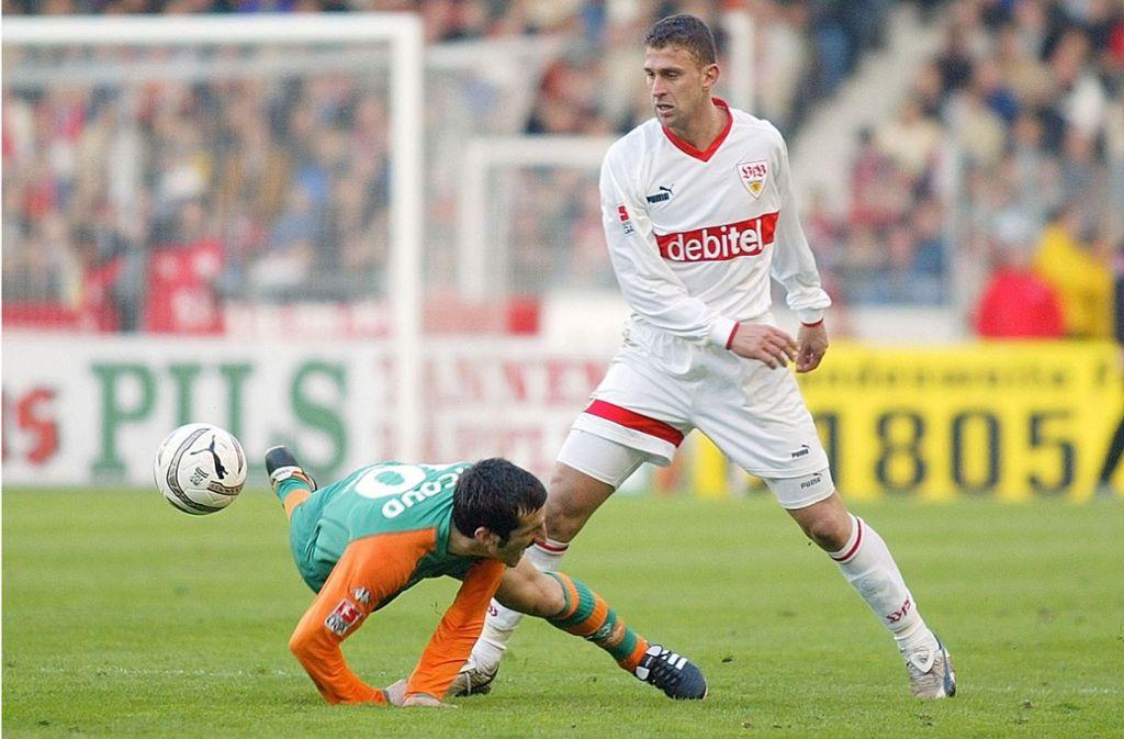 In diesem legendären Spiel gegen Werder Bremen glänzt Marcelo Bordon (rechts) nicht nur als standfester Verteidiger. Foto: /Baumann