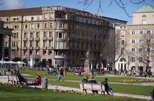 Schlossplatz im Frühlingserwachen