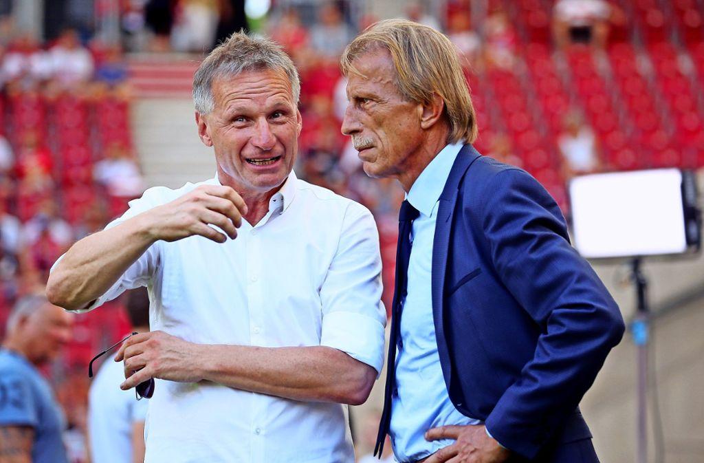 Alte Bekannte: VfB-Manager Michael Reschke, Ex-Trainer Christoph Daum Foto: Baumann