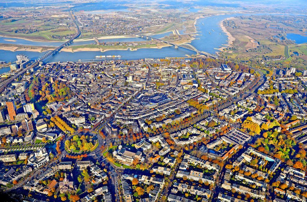 Nimwegen aus der Luft: keine Grachten, nirgends Foto: Holland Tourismus, Adobe Stock/Eric Isselée