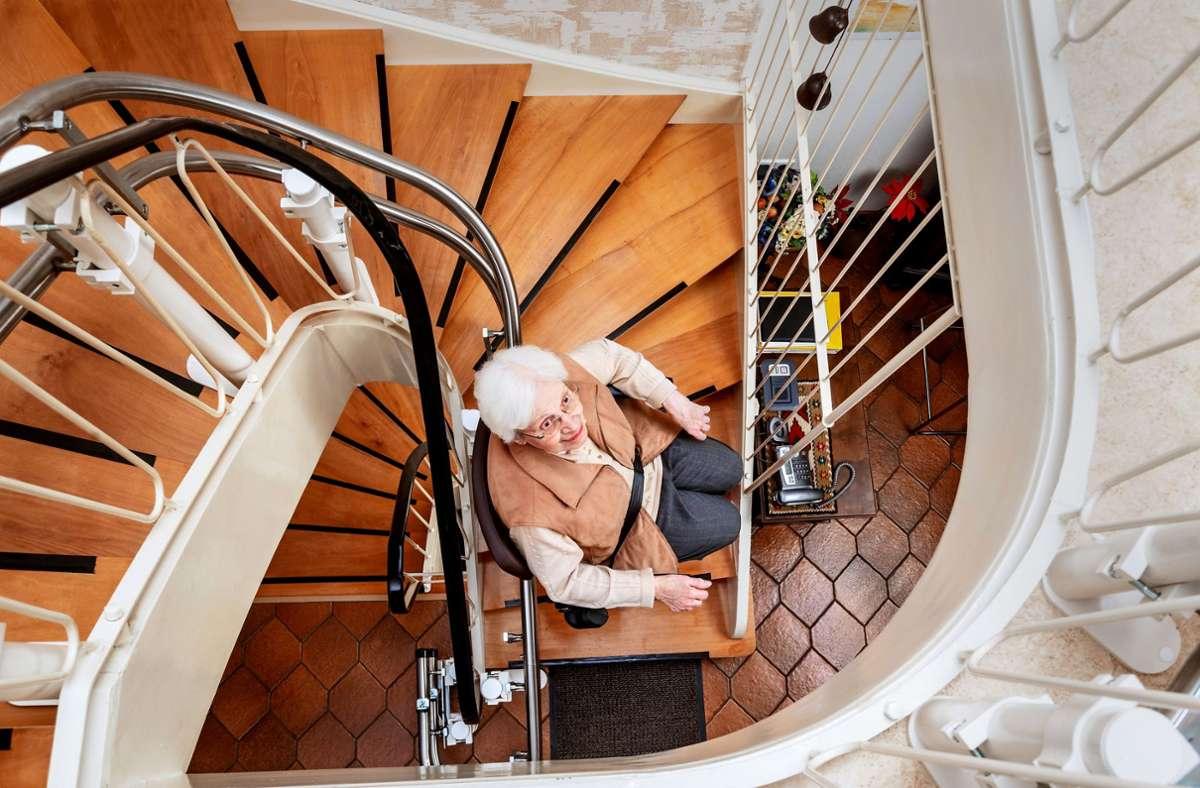 Viele Senioren wollen zuhause betreut werden. Foto: Adobe Stock/Ingo Bartussek