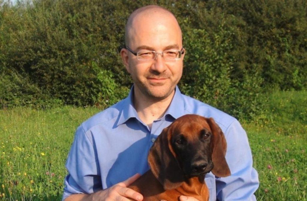 Herrr und Hund: Robert Saemann-Ischenko mit seinem Willi Foto: privat