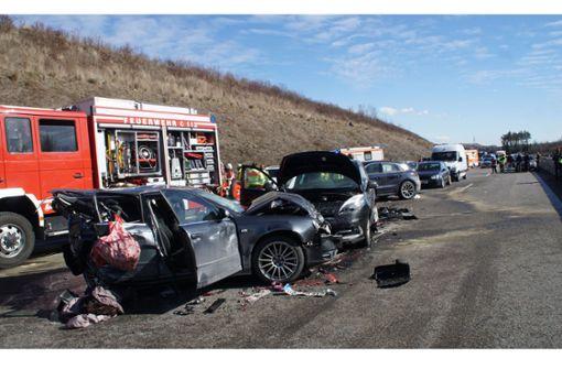 Ehepaar stirbt bei Unfall auf der A8