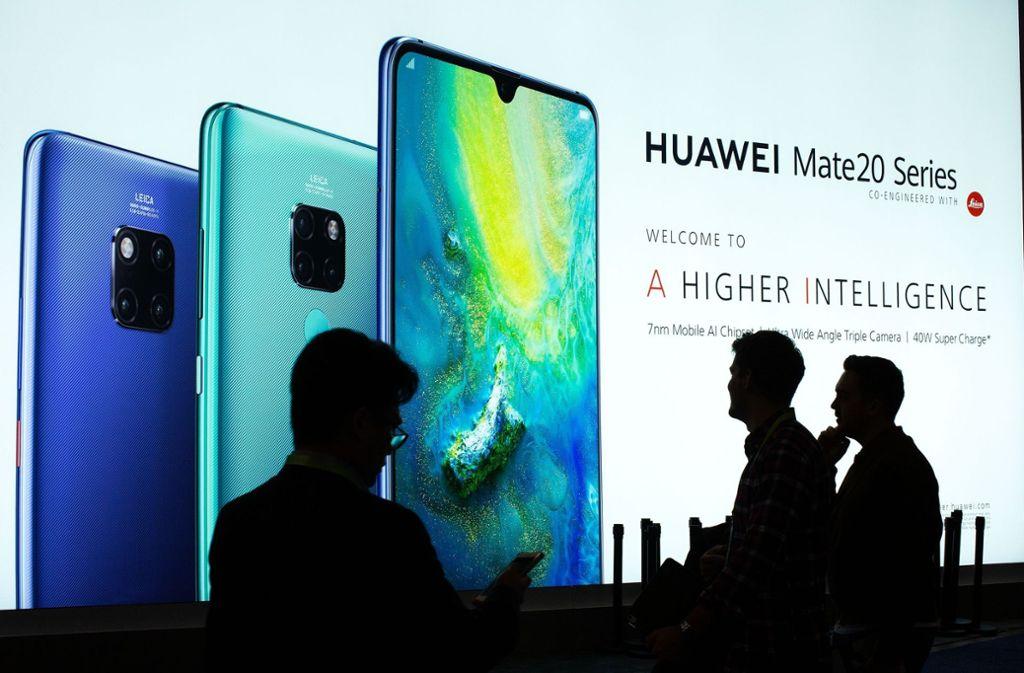 Huawei ist hierzulande vor allem als Handyhersteller bekannt. Aber auch als Netzausrüster. Foto: AFP