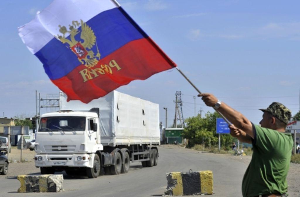 Der russische Hilfsonvoi beim Grenzübertritt in die Ukraine. Foto: dpa