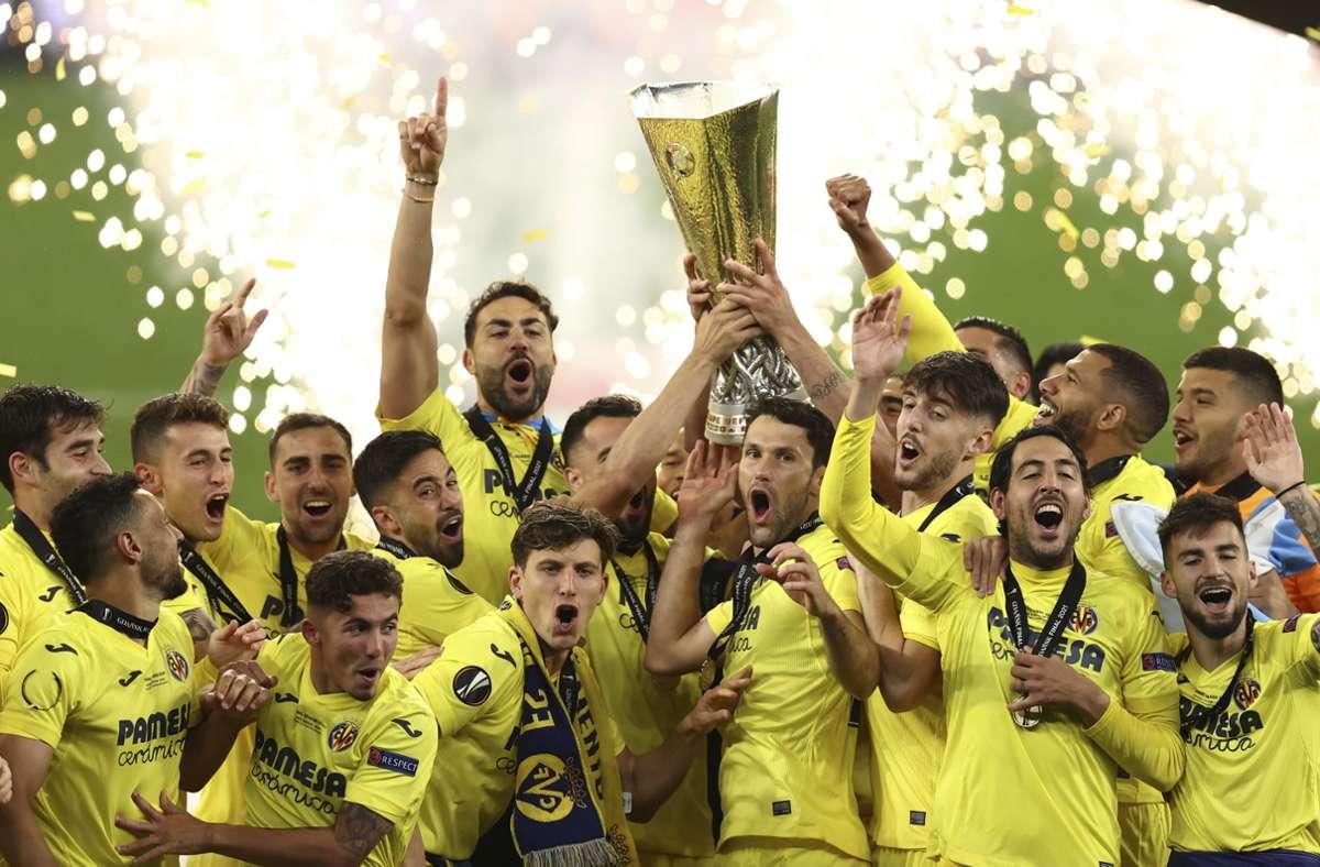 Der FC Villarreal fierte den Titel in der Europa League ausgiebig. Foto: dpa/Maja Hitij
