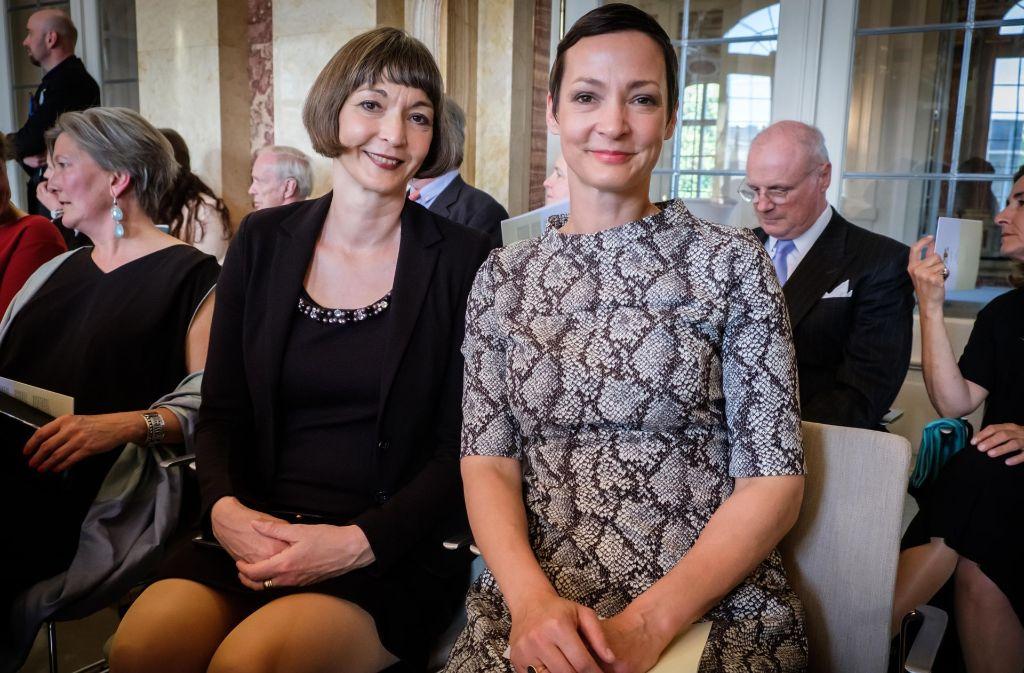 Die Schauspielerin  und frühere MTV-Moderatorin Kimsy von Reischach mit ihrer Schwester beim Adelsempfang des Ministerpräsidenten. Foto: Lichtgut/Achim Zweygarth