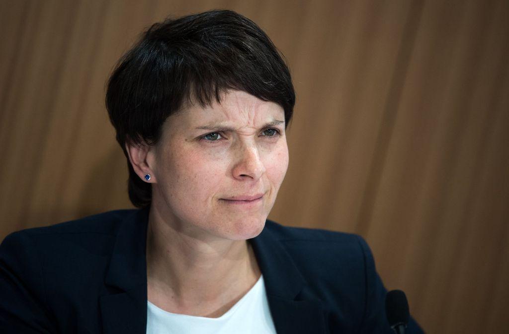 Frauke Petry scheitert mit ihrem Vorhaben und tritt nicht als Spitzenkandidatin der AfD im Bundestagswahlkampf an. Foto: dpa
