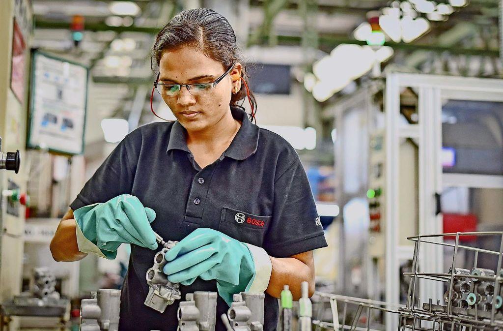 Die Mitarbeiter von Bosch sollen von Februar an  freiwillig einen Teil ihres Gehalts spenden. Foto: dpa
