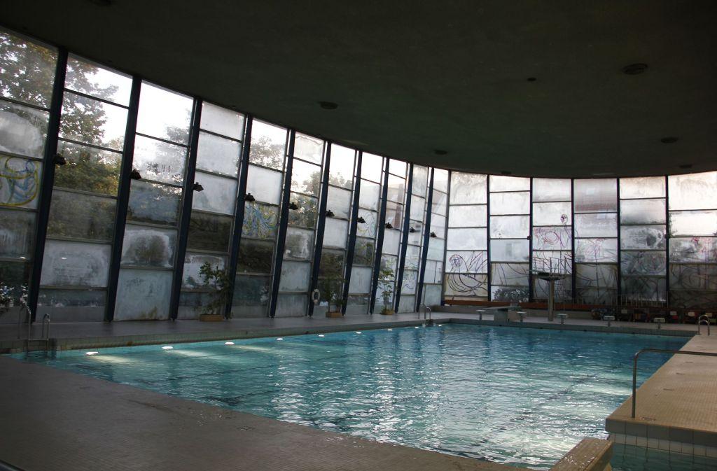 Das Hallenbad in Feuerbach – hier ein Archivbild – ist für die Sanierung geschlossen worden und wird nicht vor 2019 wieder genutzt werden können. Foto: StZ