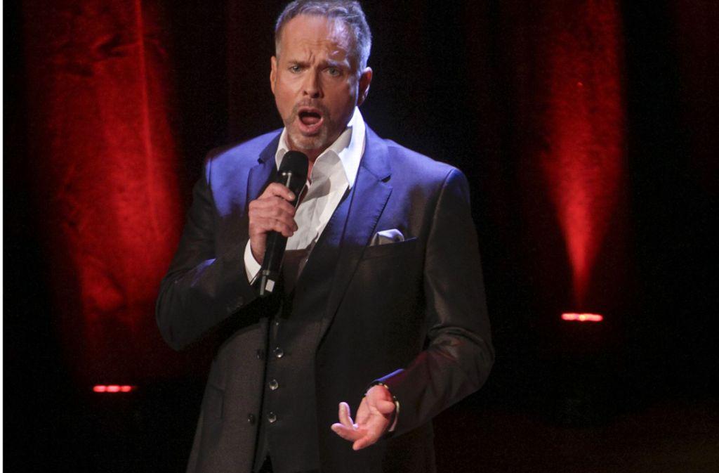 """Kevin Tartepräsentiert Songs aus dem Musical """"Die Päpstin"""". Foto: factum/Bach"""