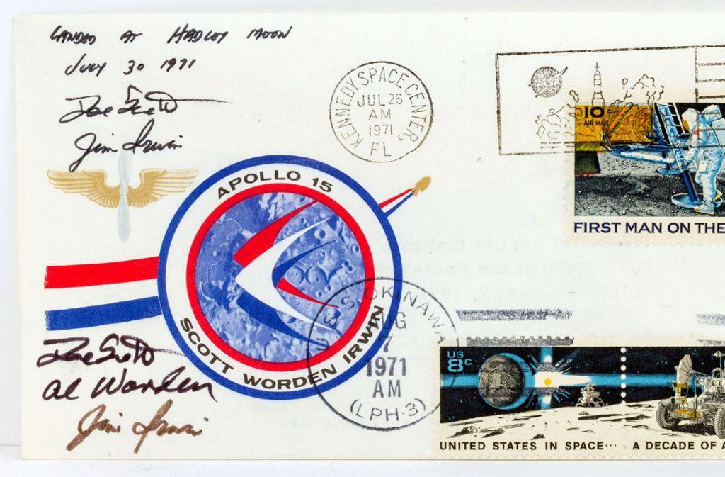 Der Brief, den Astronauten mit der Apollo 15 Mission auf den Mond geschmuggelt haben sollen, wird bei der Messe «Antik und Kunst» vom 17.-20.Januar 2019 in Sindelfingen ausgestellt. Foto: Auktionshaus Eppli