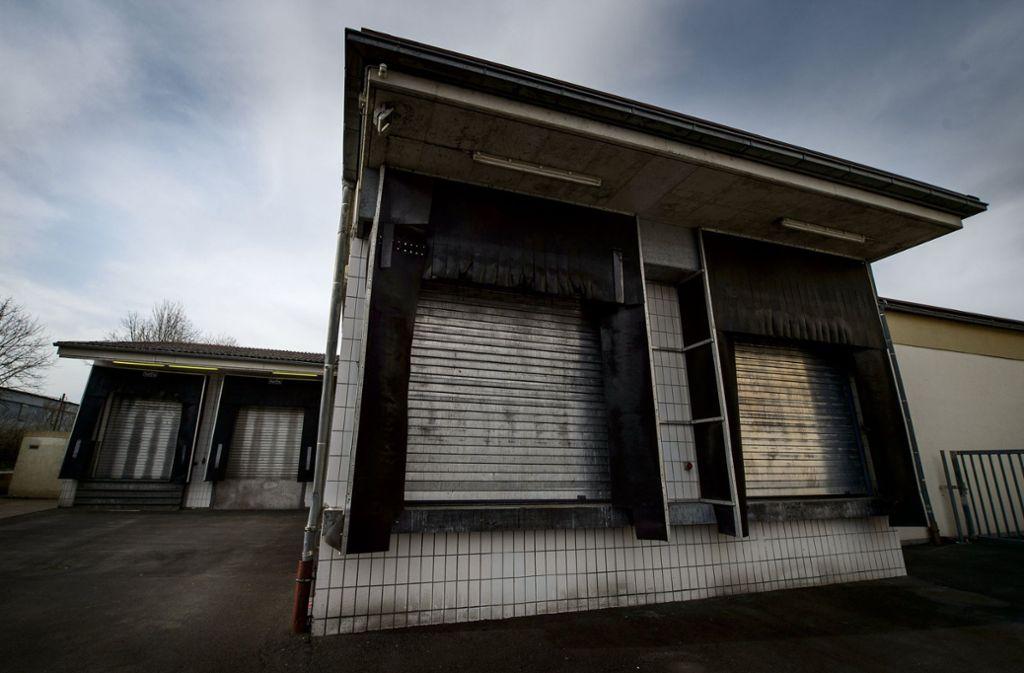 Der Schlachthof Tauberbischofsheim war wegen tierschutzrechtlicher Verstöße Mitte Februar von den Behörden bis auf Weiteres geschlossen worden. Er sollte in Kürze wieder den Betrieb aufnehmen. Foto: dpa