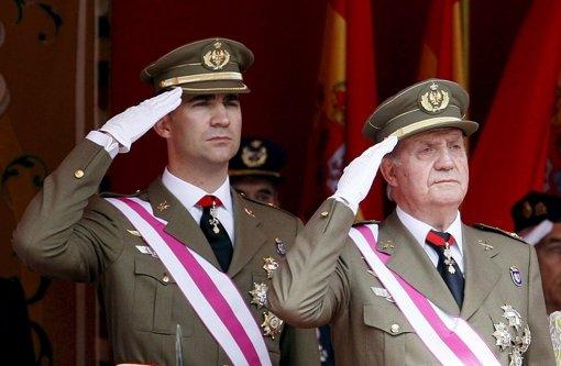 König Juan Carlos dankt offiziell ab