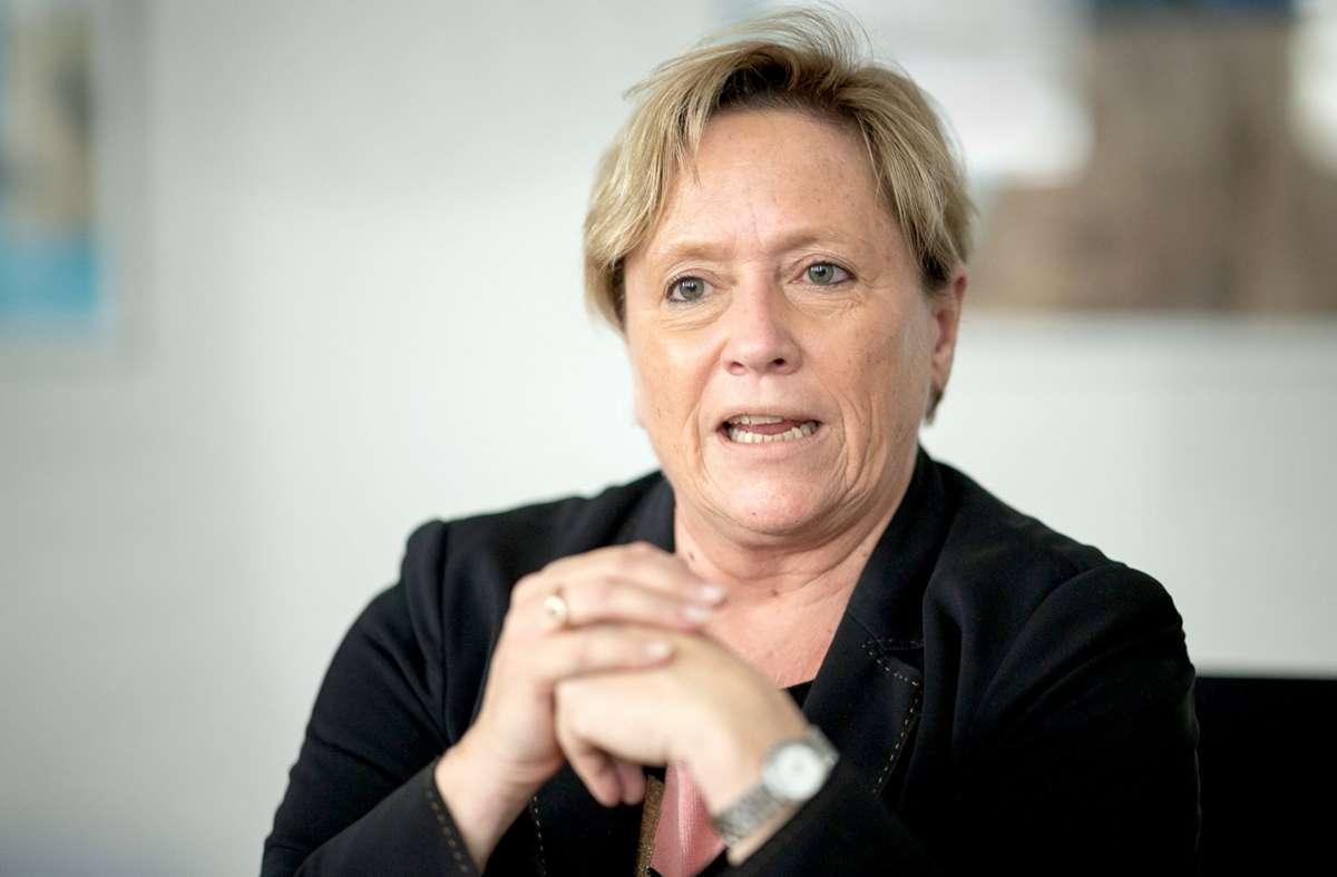 Susanne Eisenmann will an den Grundschulen Baden-Württembergs wieder zum Präsenzunterricht zurückkehren. (Archivbild) Foto: dpa/Sebastian Gollnow