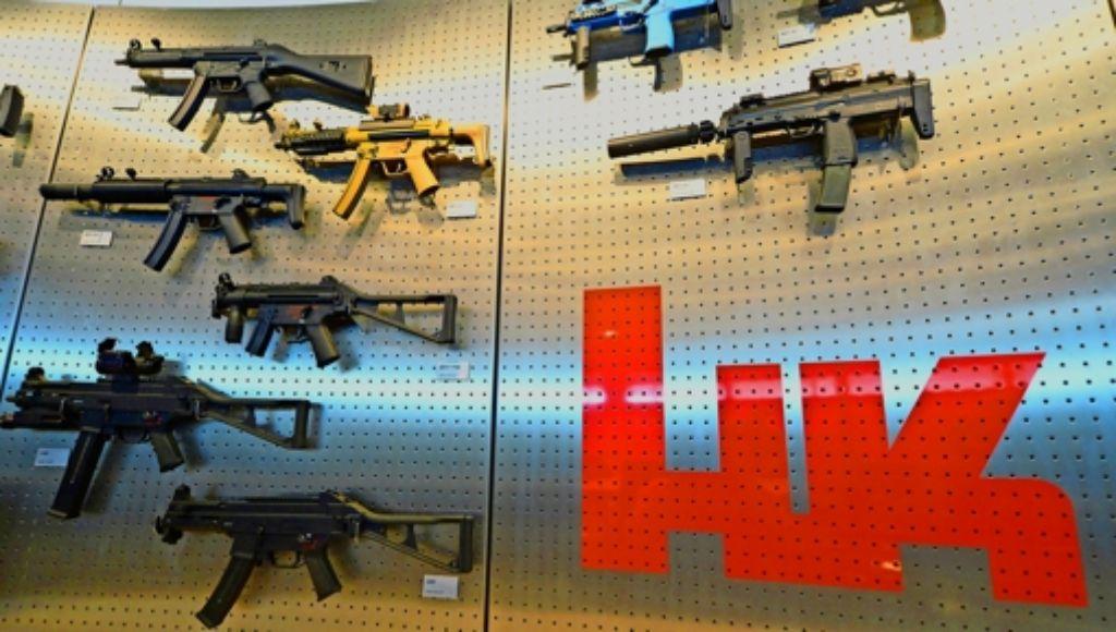 Heckler & Koch   hat nach eigenen Angaben die Aufklärung unterstützt und 2012 eine        Untersuchung  durch  eine  Unternehmensberatung  in Auftrag gegeben.    Im Bild:  die Maschinenpistole MP5 Foto: dpa